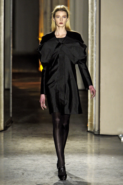 Rue du Mail at Paris Fall 2010