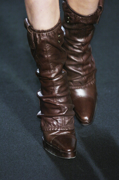 Sharon Wauchob at Paris Fall 2005 (Details)