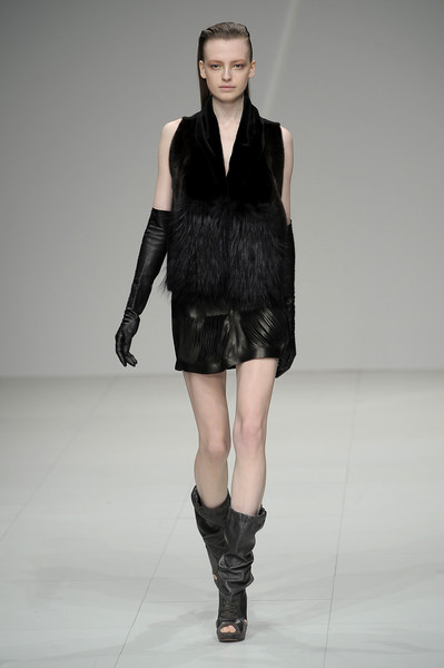 Sharon Wauchob at Paris Fall 2010