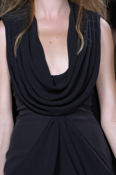 Stéphane Rolland at Couture Fall 2010 (Details)