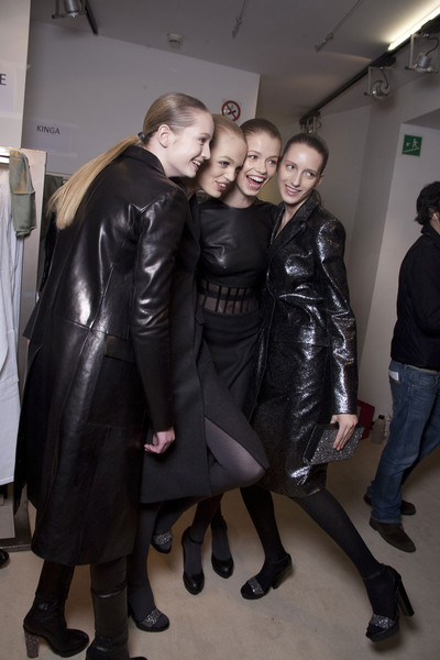 Versus Fall 2011 - Backstage