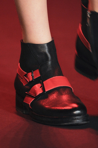 Vivienne Tam at New York Fall 2013 (Details)