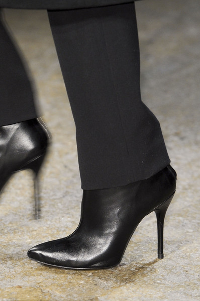 Yigal Azrouël Fall 2013 - Details