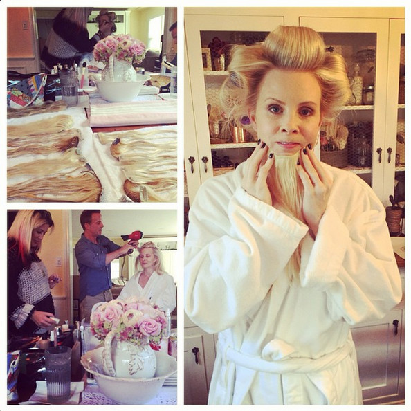 Monica Potter Hairstyles Monica Potter Plays With Hair