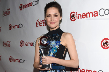 Look of the Day: Rose Byrne's Fanciful Frock