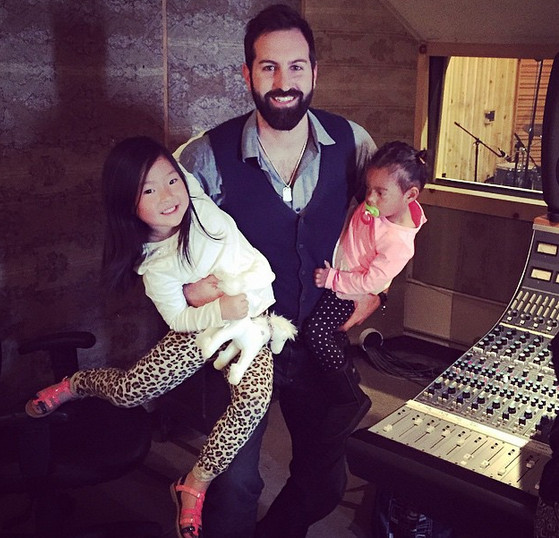Josh Kelley And Daughters Naleigh And Adalaide The