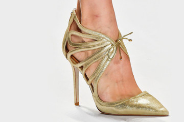 What to Wear: With Metallic Shoes