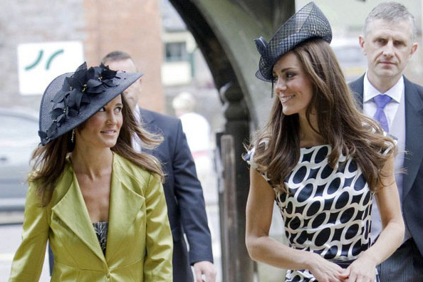 7UaHL0USGpql Kate and Pippa Middleton Spark Nude Pantyhose Trend