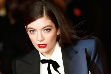 Lorde Ditches Her Curls, Demi Lovato Shares Her Love for Manicures and More