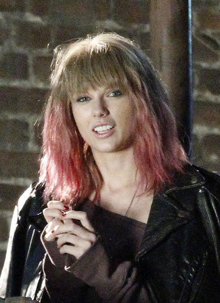 Taylor Swift Goes Grunge: Thoughts?