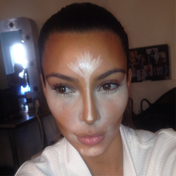 Vqw0EhLprvxl This is How Kim Kardashian Applies Concealer and Contours Her Face