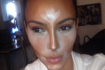 This is How Kim Kardashian Applies Concealer and Contours Her Face