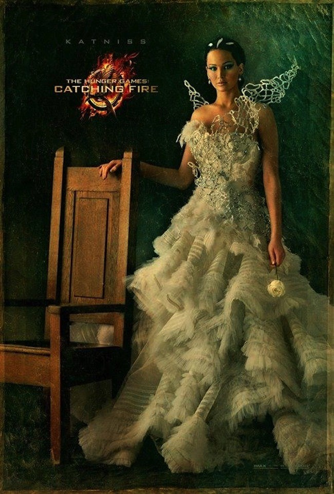 UNVEILED: Jennifer Lawrence's Katniss Everdeen Capitol Portrait is HERE!