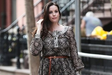 Liv Tyler Schools Us On Transitional Dressing