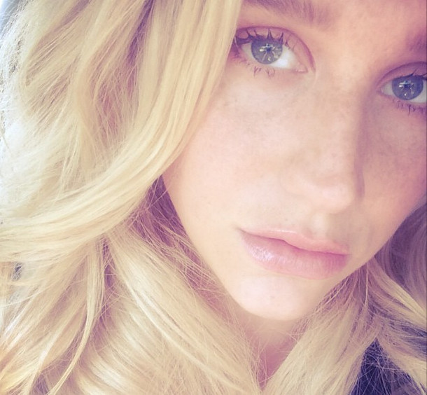 Kesha no makeup