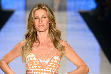 Gisele Bundchen Walks Her Last Runway