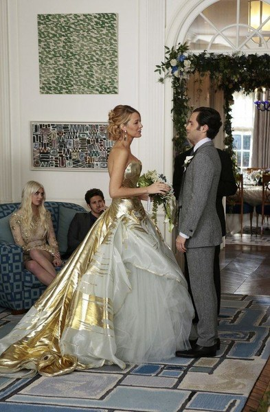 Serena Marries Dan in a Gold Georges Chakra Gown