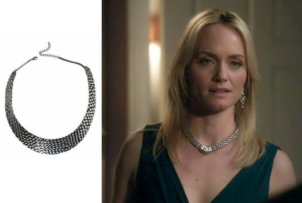 Amber Valletta's Silver Necklace on 'Revenge'