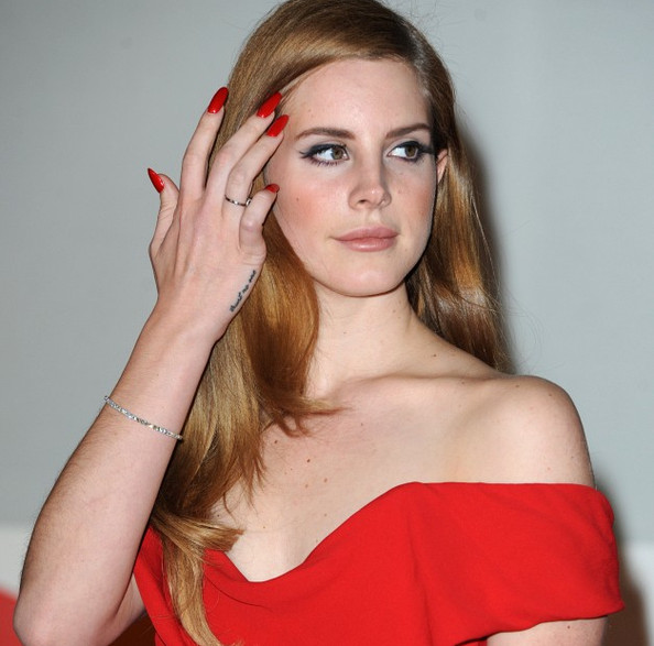 Mythbuster: Lana Del Rey is Not the New Face of Versace—Sorry.