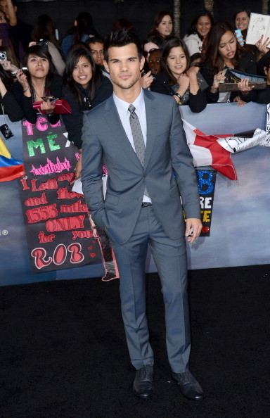 Taylor Lautner  at 'The Twilight Saga: Breaking Dawn - Part 2' Premiere in Los Angeles