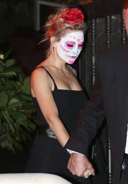 Kate Hudson as a Day of the Dead Ghoul