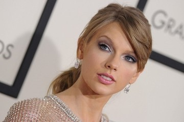 Your New Go-To Ponytail, Courtesy of Taylor Swift