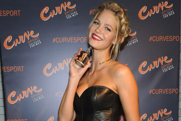 Model Erin Heatherton's Beauty Essentials