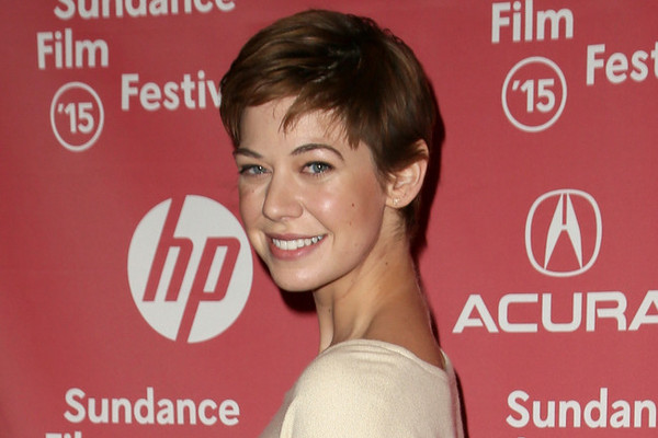 The Secret Behind Analeigh Tipton's Pixie, Kate Moss' Beauty Go-To and More