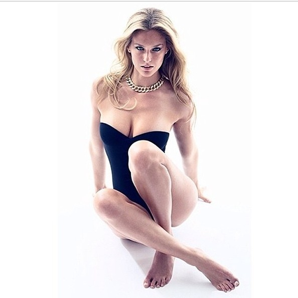 Bar Refaeli Gets Sultry