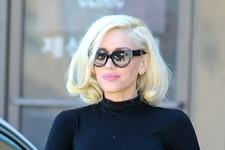 Gwen Stefani Is a Blonde Bombshell