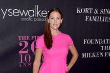 Jennifer Garner Gets Glammed Up