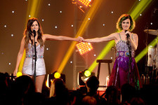 Katy Perry And Kacey Musgraves Rock Out Together