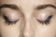 You've Got To Give This Beauty Trend A Try: Navy Eyeliner