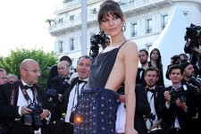 Milla Jovovich Stops Traffic on the Red Carpet
