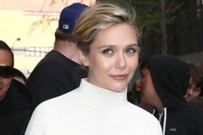 Look of the Day: Elizabeth Olsen's Structured Top