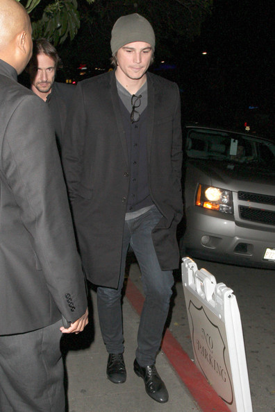 More Pics of Josh Hartnett Wool Coat (1 of 4) - Josh Hartnett Lookbook - StyleBistro