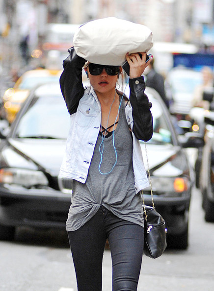 More Pics of Amanda Bynes Leggings (1 of 17) - Amanda Bynes Lookbook - StyleBistro