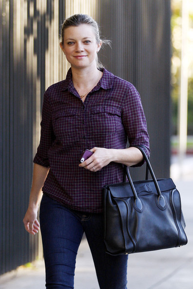 More Pics of Amy Smart Button Down Shirt (4 of 20) - Button Down Shirt Lookbook - StyleBistro