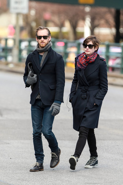 More Pics of Anne Hathaway Patterned Scarf (1 of 8) - Anne Hathaway Lookbook - StyleBistro