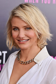 Cameron Diaz wore her platinum locks in a classic bob with a casual beachy texture for a screening of 'What To Expect When You're Expecting.'
