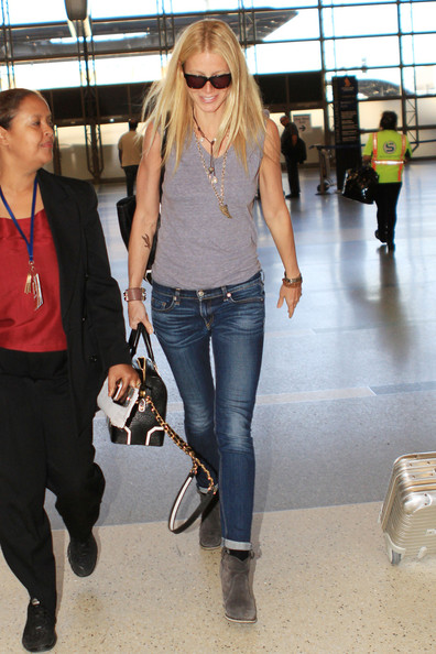 More Pics of Gwyneth Paltrow Leather Bowler Bag (2 of 13) - Gwyneth Paltrow Lookbook - StyleBistro