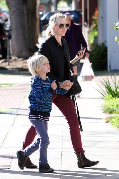 More Pics of Naomi Watts Skinny Pants (5 of 27) - Naomi Watts Lookbook - StyleBistro