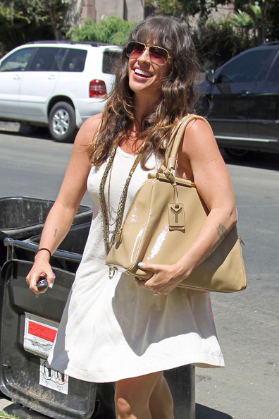 More Pics of Alanis Morissette Aviator Sunglasses (1 of 13) - Alanis Morissette Lookbook - StyleBistro