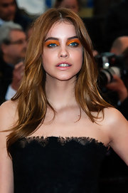 Barbara Palvin balanced off her intense eye makeup with clear glossy lips at the premiere of 'All is Lost.'