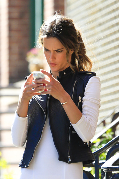 More Pics of Alessandra Ambrosio Ponytail (1 of 48) - Alessandra Ambrosio Lookbook - StyleBistro