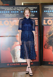Amanda Seyfried showed her retro elegant side with this shimmery polka-dot print collared dress.