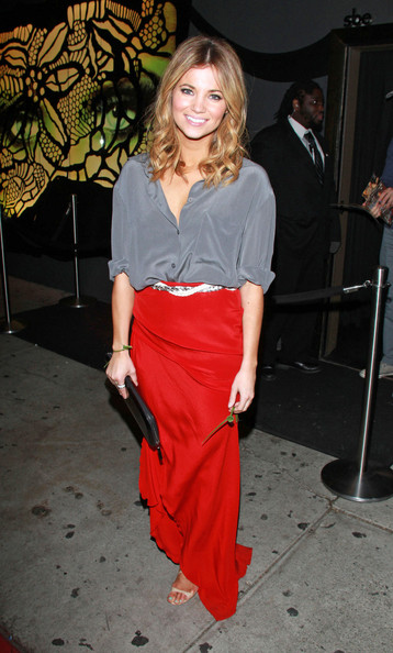 More Pics of Amber Lancaster Long Skirt (1 of 7) - Amber Lancaster Lookbook - StyleBistro