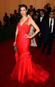 Wendi Deng was all dressed up for the Costume Institute Benefit Gala 2012 in a red chiffon mermaid gown.