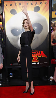 Angelina Jolie paired a sleek pair of black pumps with her sexy LBD at the premier of 'Kung Fu Panda 2'. She looked lithe and lovely in her slim fitting dress and stilettos.