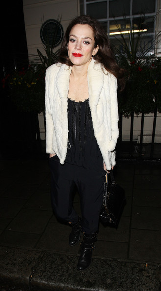 More Pics of Anna Friel Flat Boots (1 of 6) - Anna Friel Lookbook - StyleBistro